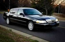 1-4 Passenger Lincoln Town Car Sedan